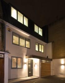 Urban Associates www.urbanassociates.co.uk Hyde Park Mews Trading Project
